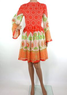 Beautiful 60s Psychedelic Print Mini Dress With by HuzzarHuzzar