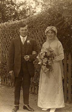Vintage Wedding Photography, Vintage Wedding Photos, 1920s Wedding, Wedding Dresses Photos, Vintage Bridal, Vintage Weddings, Wedding Pictures, Wedding Attire, Wedding Tips