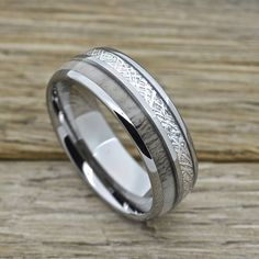 Hey, I found this really awesome Etsy listing at https://www.etsy.com/listing/512087588/mens-tungsten-ring-with-deer-antler-and