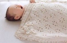 Een gratis Nederlands haakpatroon van een babydeken. Wil jij deze babydeken ook haken? Lees dan verder over het patroon op Haakinformatie. Baby Clothes Patterns, Crochet Baby Clothes, Baby Patterns, Clothing Patterns, Crochet Patterns, Crochet Heart Blanket, Granny Square Crochet Pattern, Crochet Afgans, Crochet Bebe
