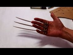 #52: Wolverine Claws DIY - Cardboard (with template)
