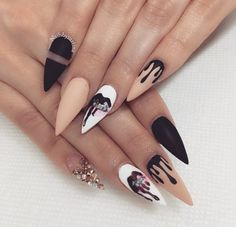 The Best Stiletto Nails DesignsStiletto nail art designs are called claw or claw nails. These ultra-pointy nails square measure cool and horny however they'll not be for everybody. As there's a much bigger surface, sticker nails permit United States Stiletto Nail Art, Cute Acrylic Nails, Acrylic Nail Designs, Matte Nails, Stiletto Nail Designs, Gorgeous Nails, Pretty Nails, Amazing Nails, Black Nails