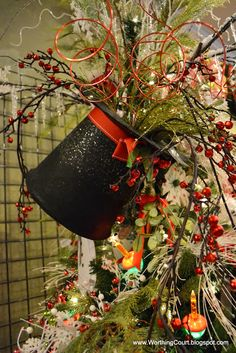 Christmas Decorating Tips from a Designer - Worthing Court what a cool idea for Christmas tree topper