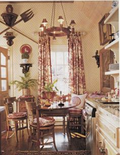 Hydrangea Hill Cottage: red toile
