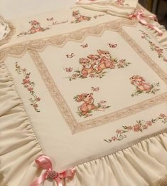 Quilts, Blanket, Fabrics, Quilt Sets, Blankets, Log Cabin Quilts, Cover, Comforters, Quilting