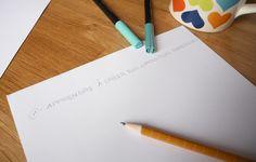 L'astuce pour réussir vos compositions en lettering à tous les coups - Calligraphique Chalk Lettering, Brush Lettering, Composition, Coups, Inspiration, Unique Quotes, Drop Cap, Drawings, Organization