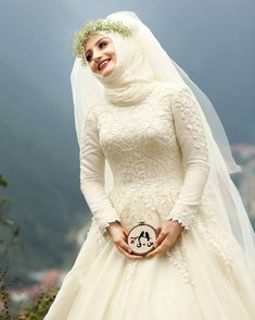Beautiful Turkish Hijabi Bride 😍 Mashaa'ALLAH /Finding perfect Ismaili match is very easy with our online portal. Large number of Ismaili singles are registered here. Join now! Wedding Hijab Styles, Muslim Wedding Dresses, Muslim Brides, Bridal Wedding Dresses, White Wedding Dresses, Muslim Girls, Wedding Couples, Wedding Cakes, Wedding Photos