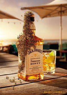 Jack Daniels 'Draws a Crowd' on Behance
