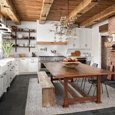Home Decor Kitchen, Rustic Kitchen, Interior Design Kitchen, Home Kitchens, Chef Kitchen, Farm Kitchen Ideas, Rustic Country Kitchens, Kitchen Tile, Küchen Design