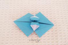【折り紙】フリフリの傘 | 大人の折り紙インテリア Lumpia, Filipino, Origami, Banana, Paper, Cards, Origami Paper, Bananas, Maps