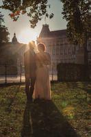 Perfektes Timing für goldenen Hochzeitsportraits in Wien am Rathausplatz Concert, Kid Pictures, Photo Shoot, Pregnancy Planning Resources, Birthday, Recital, Festivals