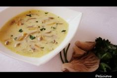 Ciorba de ciuperci Pleurotus - Culinar.ro My Favorite Food, Favorite Recipes, Romanian Food, Romanian Recipes, Soup Recipes, Cooking Recipes, Do It Yourself Food, Supe, Cheeseburger Chowder