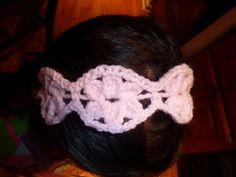 Crocheted bracelet made in one piece...Free pattern!
