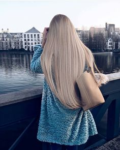 via Tag your friends who like this hair! Shopping link in bio Sandy Blonde Hair, Blonde Hair Looks, Pretty Hairstyles, Straight Hairstyles, Longbob Hair, Beautiful Long Hair, Long Hair Cuts, Shiny Hair, Dyed Hair