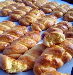 Greek Sweets, Greek Desserts, Greek Recipes, Greek Cookies, Almond Cookies, Yummy Cookies, Sweet Buns, Sweet Pie, Cheesecake Recipes