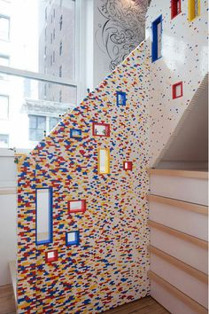 WOW, this family are real lego lovers!!! Great idea!! 20.000 lego bricks to realize this!