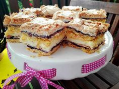 Ciasto budyniowe z dżemem i bezą My Favorite Food, Favorite Recipes, Polish Recipes, Something Sweet, Cravings, French Toast, Food And Drink, Cooking Recipes, Sweets