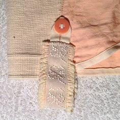 Girdle harisnyatartó - hímzett gumipánt csipkefodor szegély díszítéssel a harisnya csatokhoz  http://reviania.blogspot.hu/2017/01/girdle-ez-talan-tobb-mint-vintage-akar.html