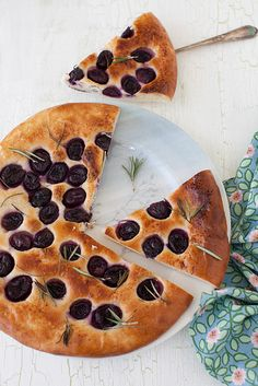 Grape Focaccia with Rosemary #PICNIC