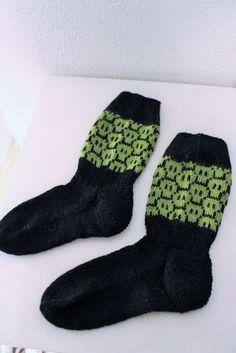 Yin Yang, Knitting Socks, Knit Crochet, Crocheting, Diys, Villa, Fashion, Xmas, Tricot