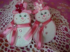 Hey, I found this really awesome Etsy listing at https://www.etsy.com/listing/203034284/hand-painted-snowman-snowgirl-ornaments