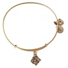 Bumblebee Charm Bangle This will be one of my rewards for the weight loss journey I am on!