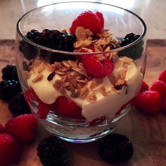 Yoghurt, Berries 'n' Nuts - Powered by Greek Yoghurt, Yogurt, Mixed Berries, Serving Dishes, Frozen, Pudding, Vegetarian, Desserts, Recipes