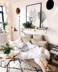 The Best College Apartment Bedroom Decor Ideas Apartment Bedroom Decor, Room Ideas Bedroom, Diy Bedroom Decor, Home Decor, Bedroom Art, Apartment Interior, Bedroom Designs, Apartment Design, College Apartment Bedrooms