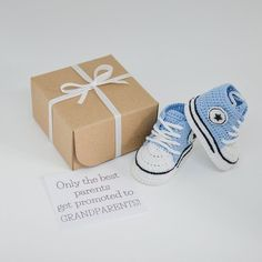 The crochet baby booties in a gift box are the perfect for long distance pregnancy announcement or gender reveal! This pregnancy reveal gift is ideal to send to grandparents-to-be or other relatives and includes a custom message. The hand crocheted baby shoes are made to fit newborns ages 0-3 Crochet Baby Shoes, Newborn Crochet, Crochet Baby Booties, Pregnancy Gift For Friend, Pregnancy Gifts, Gifts For Friends, Gifts For Mom, Baby Shower Gifts, Baby Gifts