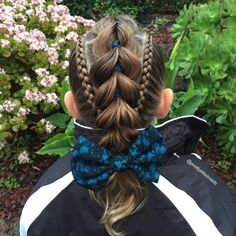 AD-Mom-Braids-Unbelievably-Intricate-Hairstyles-Every-Morning-Before-School-10