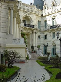 More on buildings. Largest Countries, Countries Of The World, Argentine Buenos Aires, Beautiful World, Beautiful Places, Art Nouveau Arquitectura, Argentina South America, Neoclassical Architecture, French Style Homes