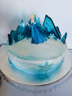 Frozen cake Elsa ice palace