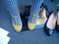 What about my incredible color shoes? #iloveshoes #yellowshoes #color #style #fashion