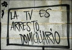 La TV es arresto domiciliario Street Quotes, Lily Chee, Murals Street Art, Protest Signs, Free Mind, Pretty Quotes, Big Rig Trucks, Sketch Painting, Spanish Quotes