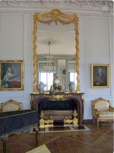 Versailles, Art Deco Mirror, Mirror Mirror, I Love Mirrors, European Decor, Queen Bedroom, French Interior, Classic House, Marie Antoinette