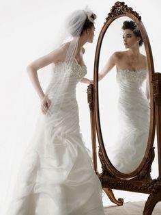 Très belle et originale robe de mariée de la marque Galina Signature (Amérique)