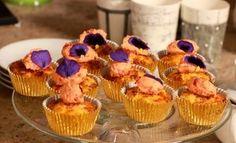 Biltong en Pitmielie Muffins met roomkaas en gedroogde tamatieversiersel. GEURE UIT DIE VALLEI - Kyknet Muffin Tin Recipes, Biltong, Savory Muffins, South African Recipes, Salty Snacks, Xmas Food, Dessert Recipes, Desserts, Cooking Recipes