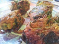 Pakoras de espinacas y cebolla Un rico aperitivo típico de la cocina india...
