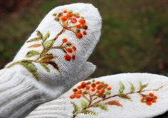 White mittens with rowan berries warm and by Indrasideas on Etsy