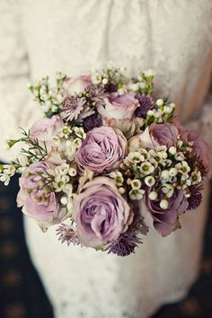 3 Simple and Stylish Ideas: Wedding Flowers Dahlia Inspiration bright wedding flowers sweet peas.Wedding Flowers Lilac Candles modern wedding flowers … - All About Inexpensive Wedding Flowers, Neutral Wedding Flowers, Winter Wedding Flowers, Wedding Flower Decorations, Wedding Flower Arrangements, Flower Bouquet Wedding, Autumn Wedding, Autumn Flowers, Flowers Decoration