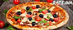 Dvě italské pizzy v restauraci Ratejna