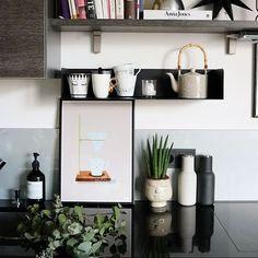 Ana ▪️ (@homedesignbyana) • Instagram-Fotos und -Videos Monday Again, Kitchen Posters, Hello Monday, New Kitchen, Floating Shelves, Instagram, Videos, Home Decor, Kitchen Inspiration
