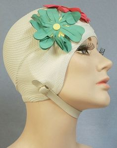 bathing cap to keep your hair dry in the motel pool riiiiiight! I remember having to wear these, hated it! Photo Vintage, Vintage Swim, Vintage Lingerie, Retro Vintage, Vintage Hats, Vintage Decor, Vintage Style, Retro Fashion, Vintage Fashion