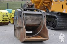 Backenbrecher Brecherlöffel BF90-3 gebraucht Brecherlöffel Backenbrecher MB BF 90-3 gebraucht  Gebrauchte Baumaschinen kaufen verkaufen http://www.ito-germany.de/baumaschinen/auctions/anbaugeraete-zu-verkaufen/brecherloeffel-backenbrecher-mb-bf-90-3-gebraucht/  #Auktion #auction Hydraulikanbaugeräte Baumaschinen Bilder MB Crusher BF 90.3 #Attachment #mascus