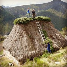 Asturias Spain, Paraiso Natural, Thatched House, Vernacular Architecture, Balearic Islands, Stunning Photography, Spain And Portugal, Canary Islands, Spain Travel