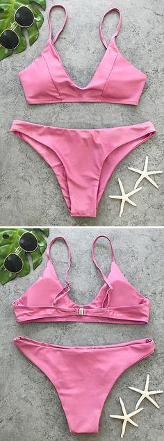 Enjoy life on the beach~ You'll fall in love with our high leg bikini set.