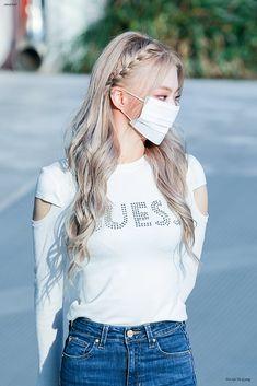 Fashion Tag, Daily Fashion, South Korean Girls, Korean Girl Groups, Rose Icon, Korean Girl Fashion, Beautiful Asian Girls, Beautiful Eyes, Girl Next Door