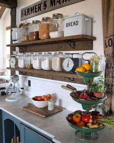 Smart farmhouse kitchen storage ideas (27)