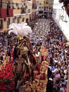 Tres Caidas de Triana Samana, Seville, Ss, Religion, Christmas Tree, Holiday Decor, Photos, Arquitetura, Loneliness