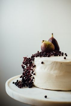 source: deathby-food@tumbler.   Fig Blackberry Cake